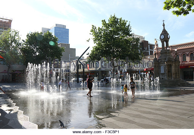 fountains-at-centenary-square-at-church-street-mall-parramatta-f3c5p1